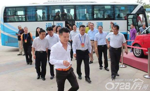 热烈欢迎世界台湾商会莅临中国龙虾城考察!